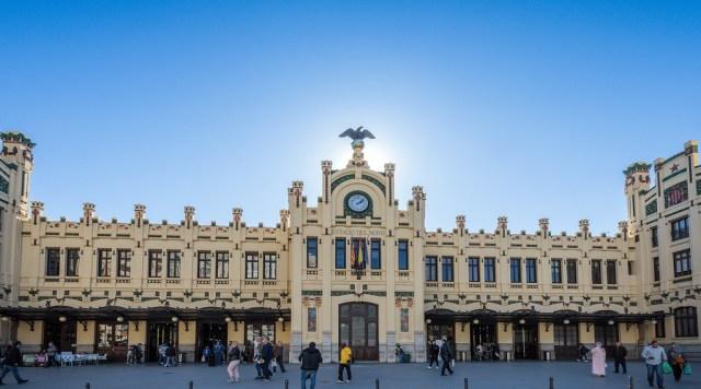 Estação ferroviária de Valência