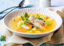 Sopa de peixe com batata