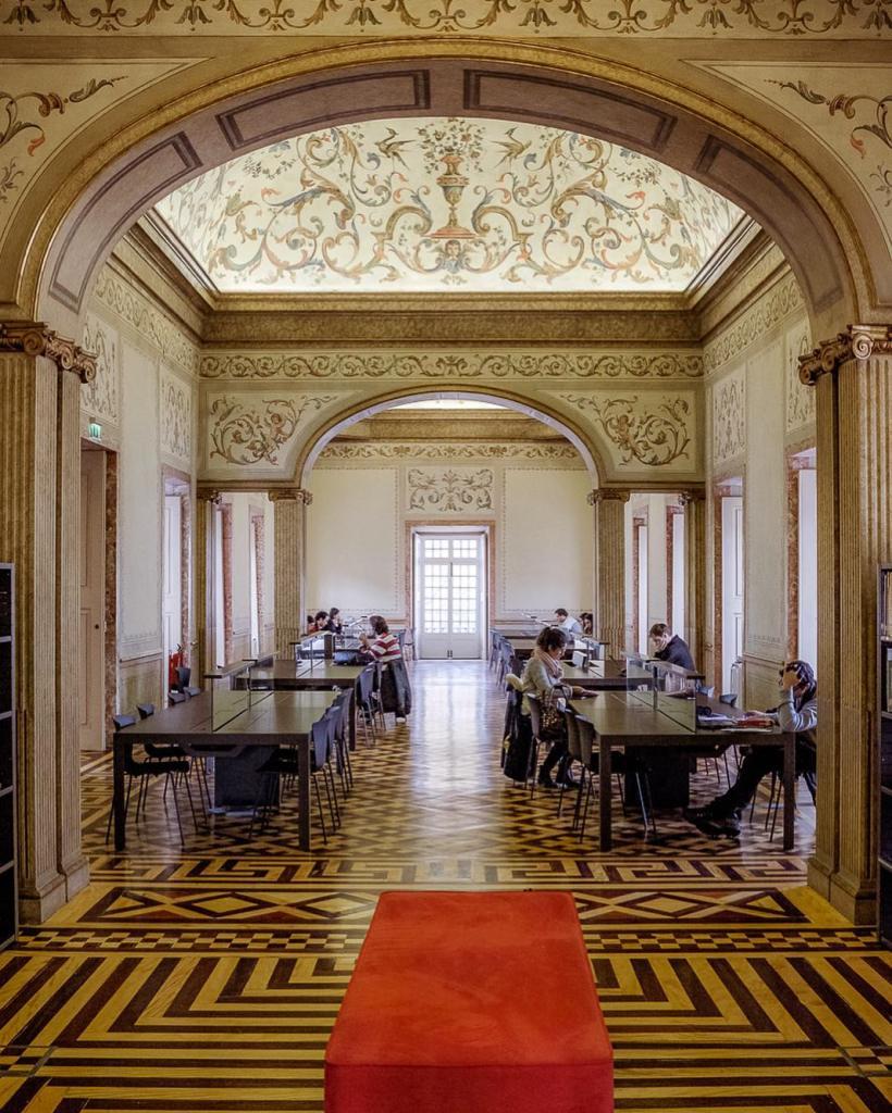 Biblioteca do Palácio das Galveias