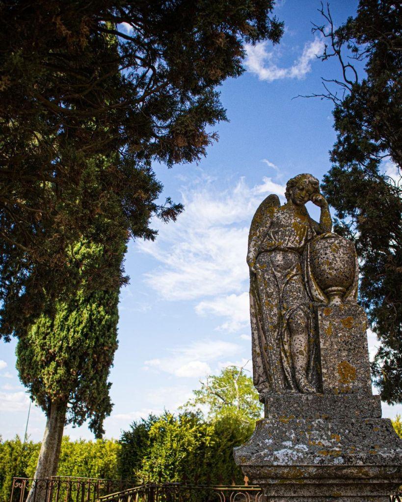 Cemitério antigo de Almeida