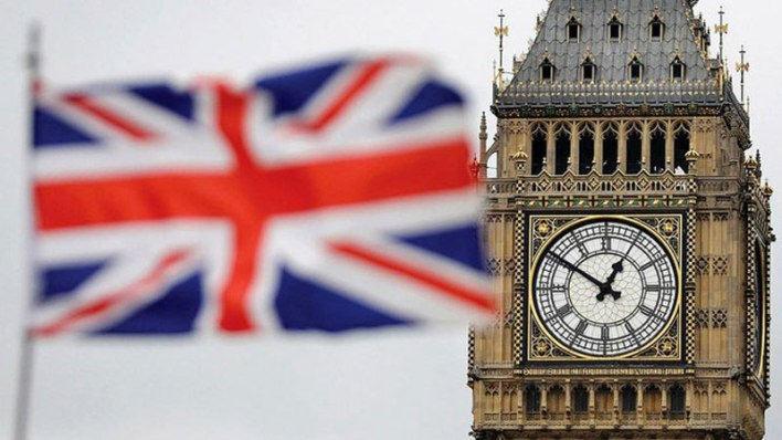 UK's decides to remove Pakistan from travel red list.