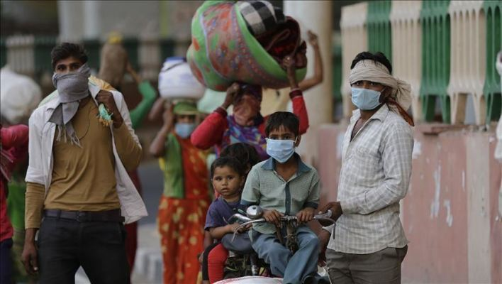 Indian healthcare system collapses as coronavirus cases surpass record 315,000