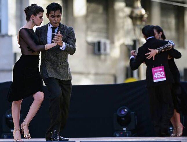 World tangodance championship won by Argentinian couples.
