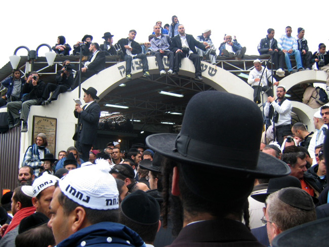 bratsalver hasidim making pilgrimage to ukraine