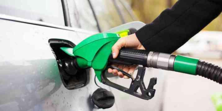 Le litre d'essence approche des 2 euros à la pompe dans certaines stations-service