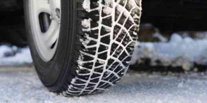 Le 1er novembre, les pneus neige seront obligatoires dans 48 départements