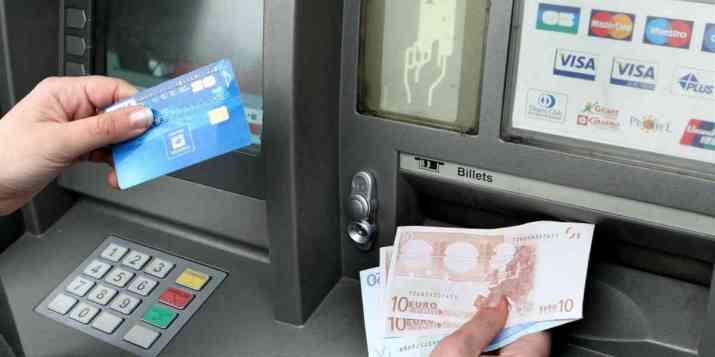 Les banques françaises prêtes à mutualiser leurs distributeurs de billets