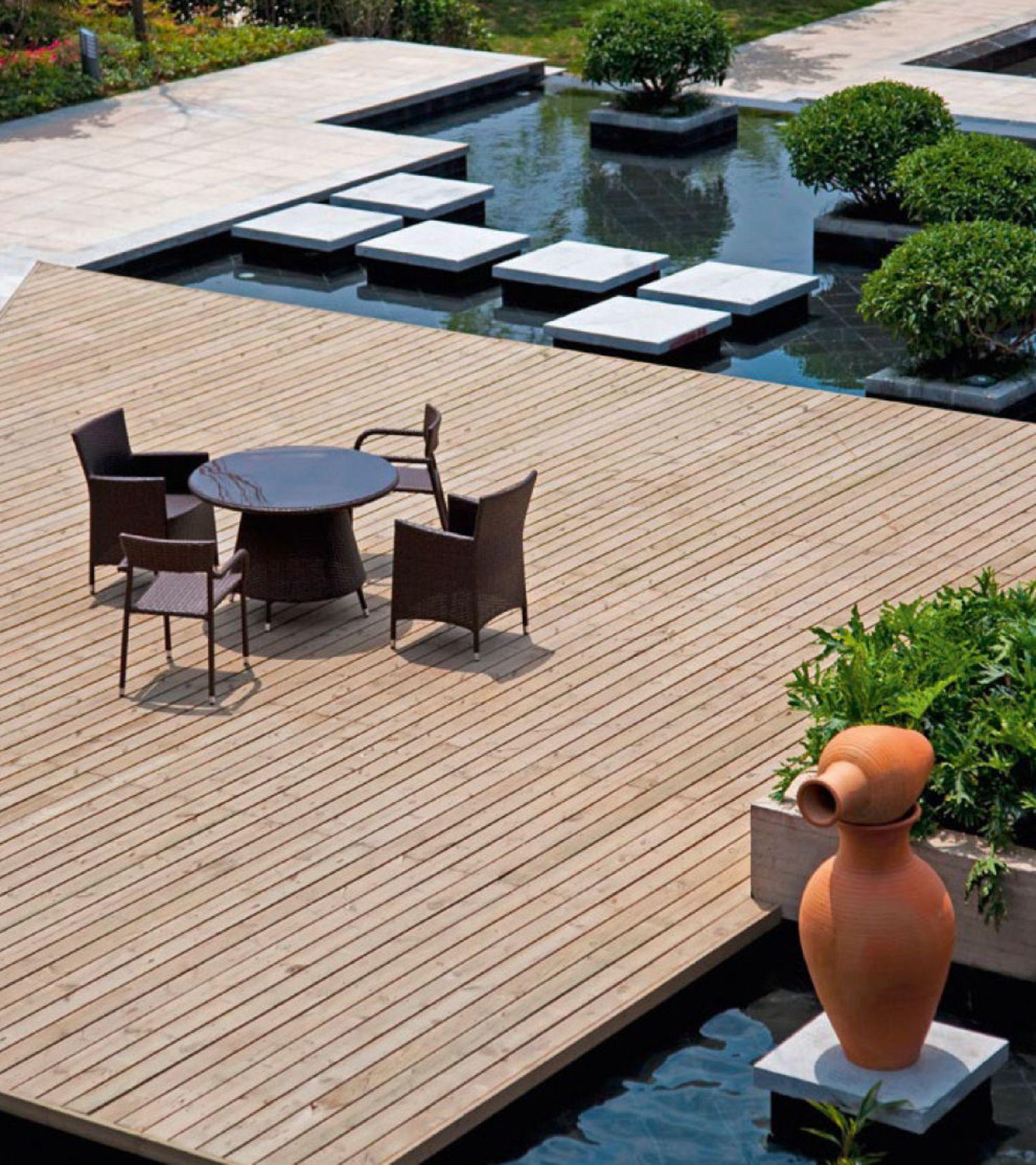 Terrasse bois pour piscine hors sol piscines hors sol for Bois composite pour terrasse piscine