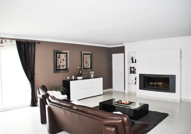 Dcoration salon blanc et marron  Exemples damnagements