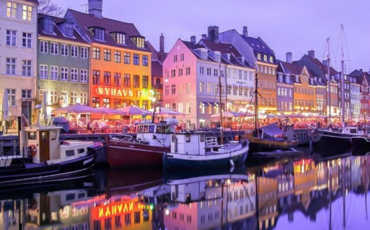 Nyhavn_district_co_2565973a-590x367