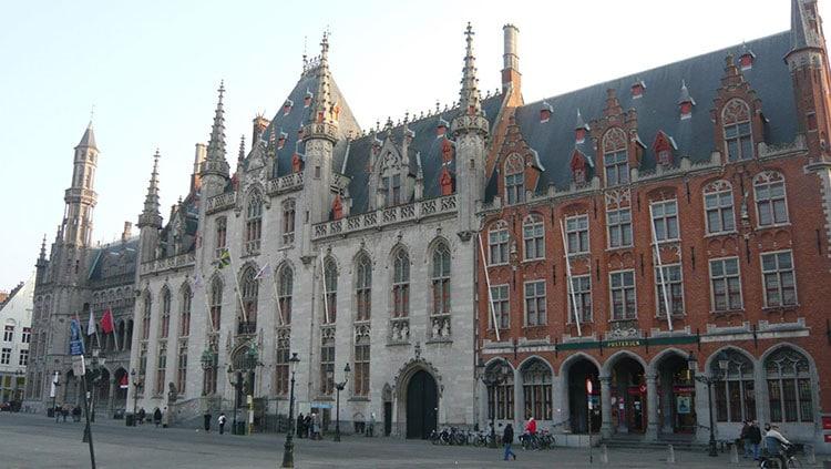 Bruges-Hotel-de-ville