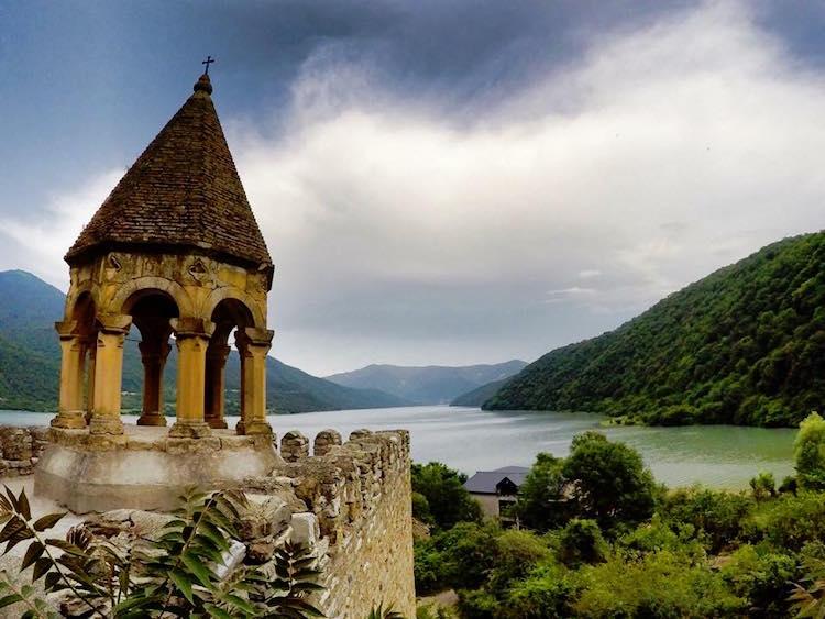 photo 2 - vue depuis le monastere d ananuri