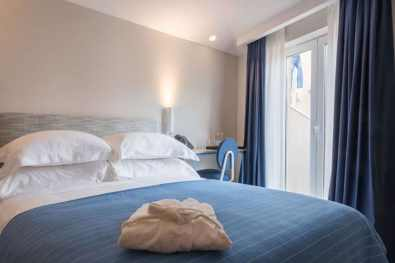 Hotel-House-Ribiera-Chambre
