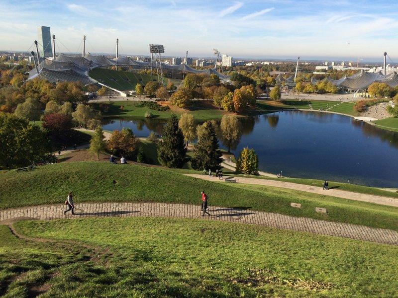 Visão do Parque Olímpico de Munique a partir da Olympiaberg