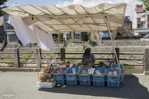 Stand sur le marché de Takayama