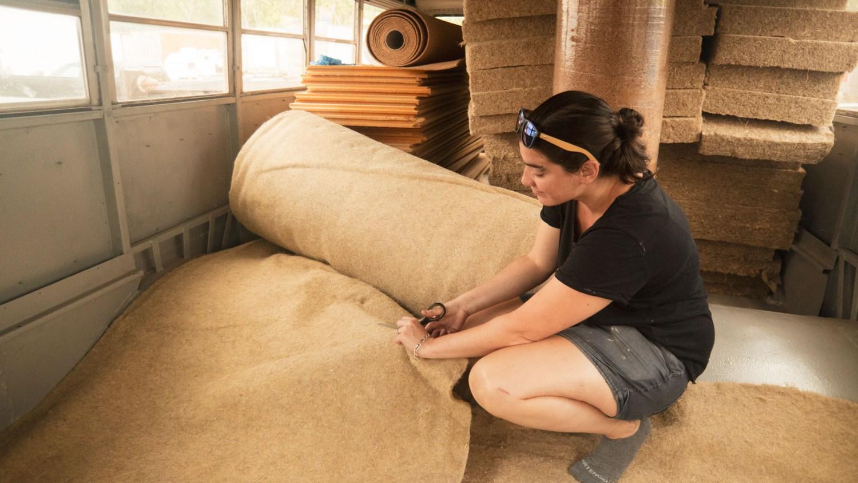 isolants naturels et écologiques : chanvre, fibre de bois et liège
