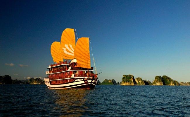 Bhaya Classic en baie d'Halong