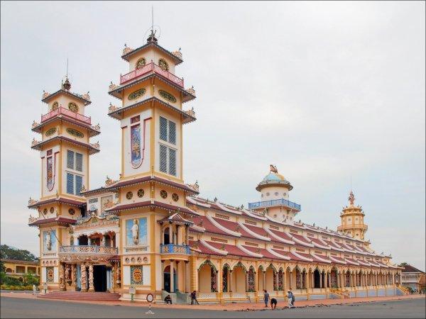 Cao Dai Temple par Jean-Pierre Dalbéra
