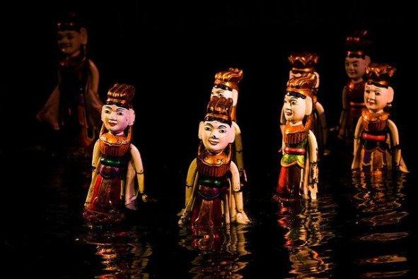 Spectacle des Marionnettes sur l'eau - Hanoï par Charles Chan
