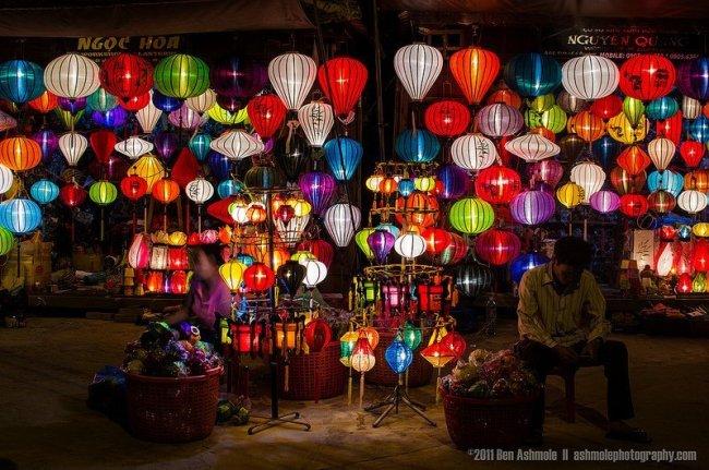 Marchand de lanternes -Hoi An par Ben Ashmole