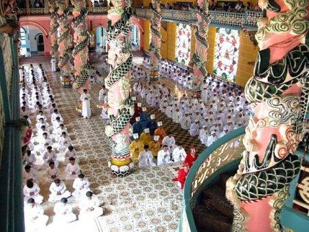 Temple Cao Dai - Cérémonie - Vietnam