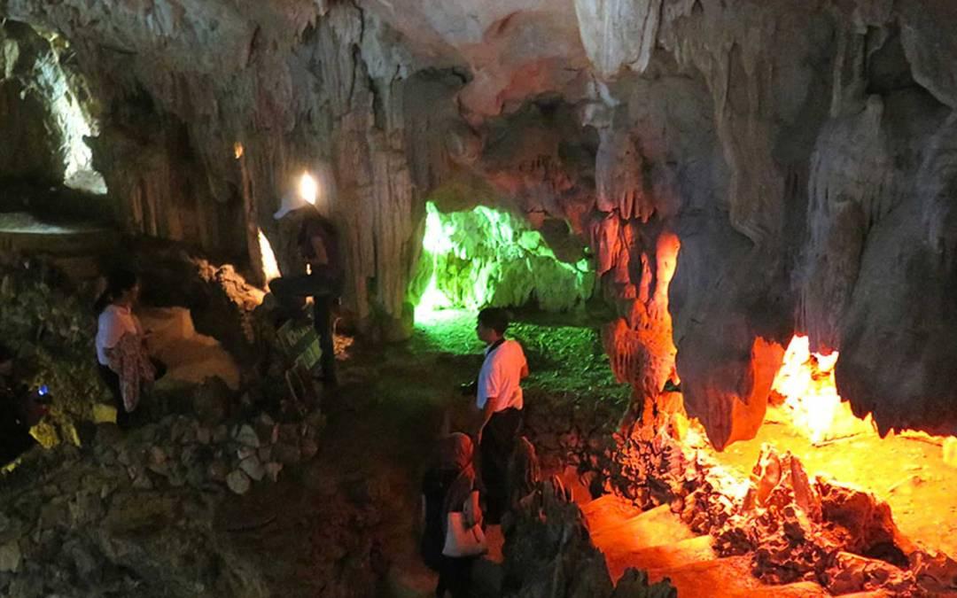 La fascinante grotte de Thiên Hà