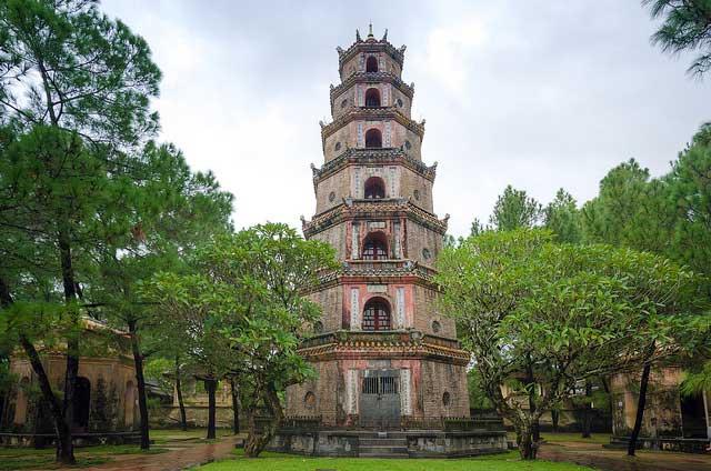 Pagode Thien Mu (la Dame Céleste) à Hué - Vietnam
