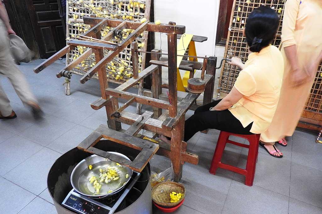 Travail de la soie - Hoi An, Vietnam