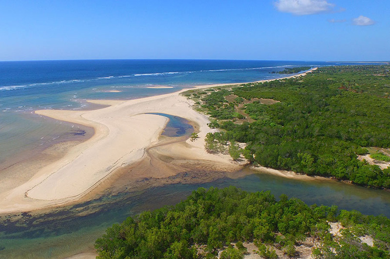 pemba-mozambique-destinations-journey-in-style-africa-Pemba-Accommodations-mequfi-river-sea