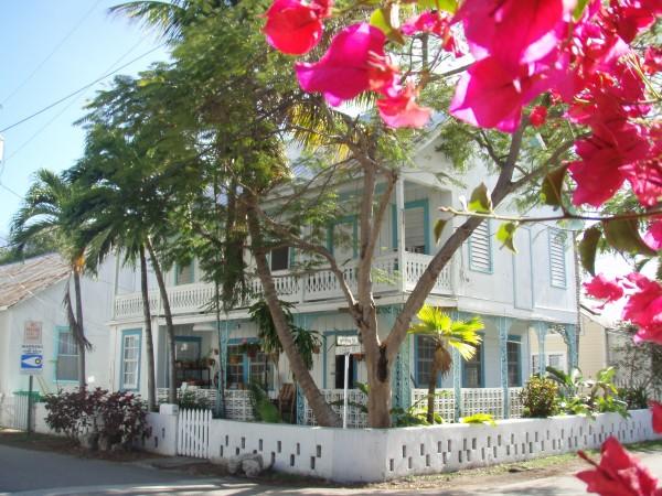 Au coeur du Bahamian village Key West, des maison colorées, des hibiscus, des bouganivilliers...