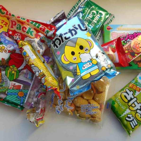 okashi-connection-box-candy-treats-snacks-bonbons-japonais