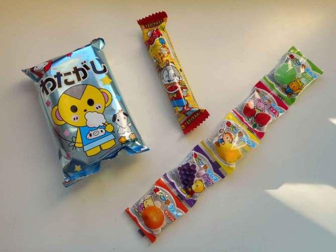 okashi-connection-box-candy-treats-snacks-confiseries-japonaises