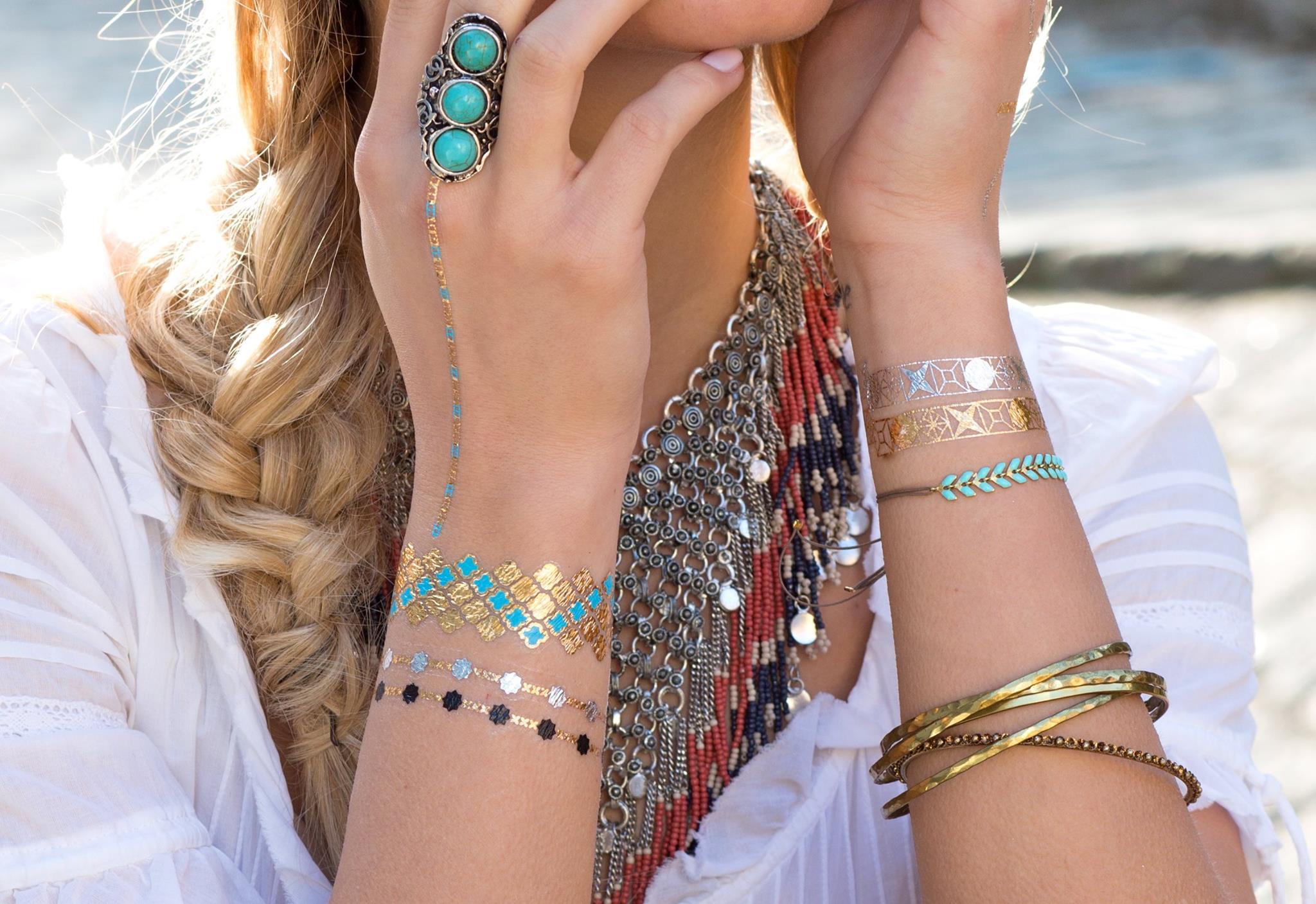 tatouage-ephemere-bijou-peau-jewelry-tattoo-arabesque-dore-concours-blog-voyage-beaute
