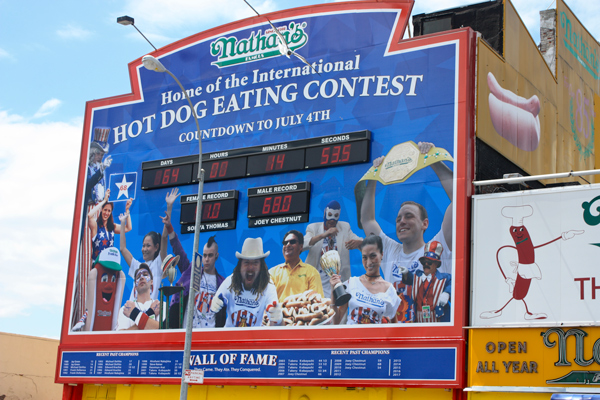concours-nathan's-hot-dog