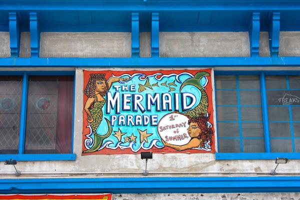devanture-coney-island-mermaid-parade