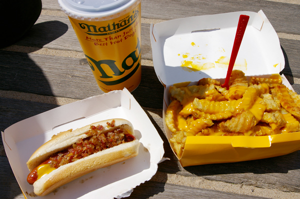 hot-dog-nathan's