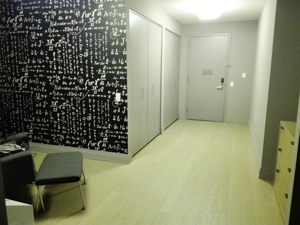 entrée chambre QandA hôtel