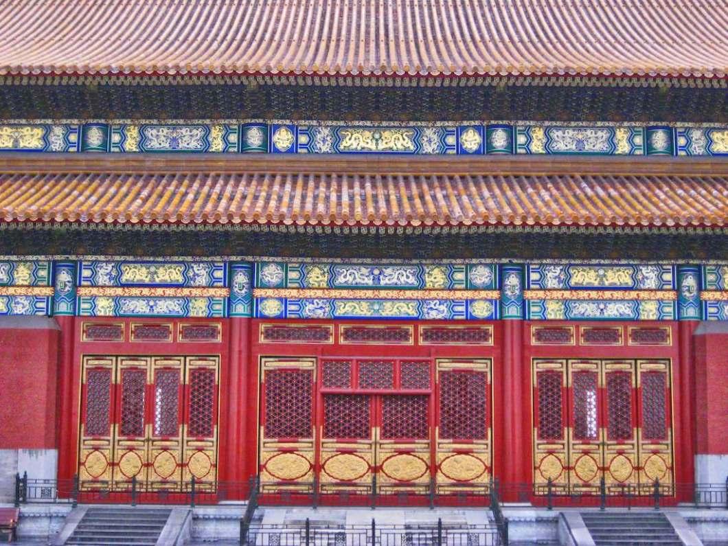 forbidden-city-red-golden-doors