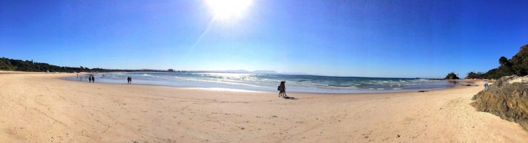 byron bay clarkes beach
