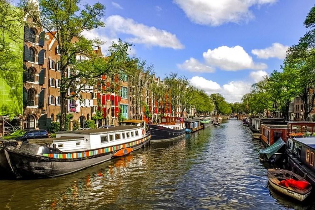 vol Paris Amsterdam