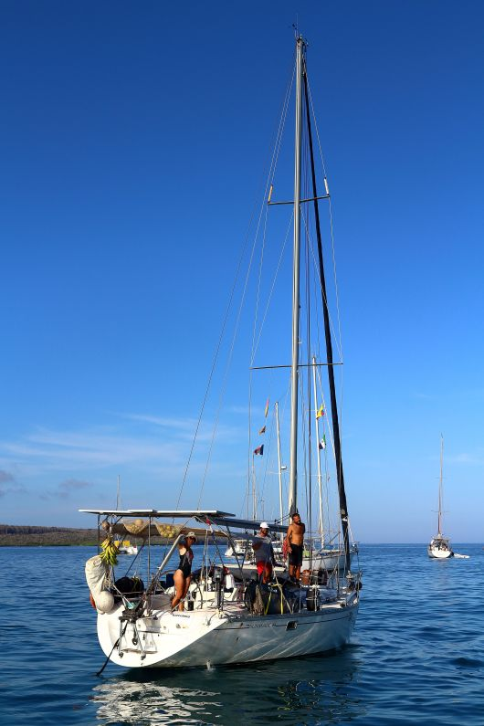 Pilas and her crew leaving for Marquesas