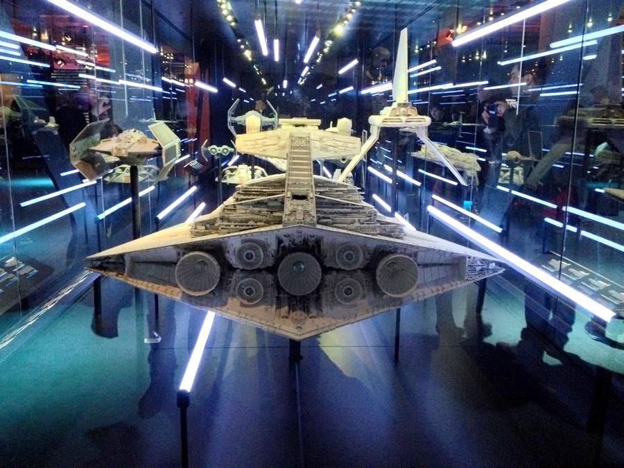 Réplique d'un vaisseau - Star Wars Identities, Lyon, France