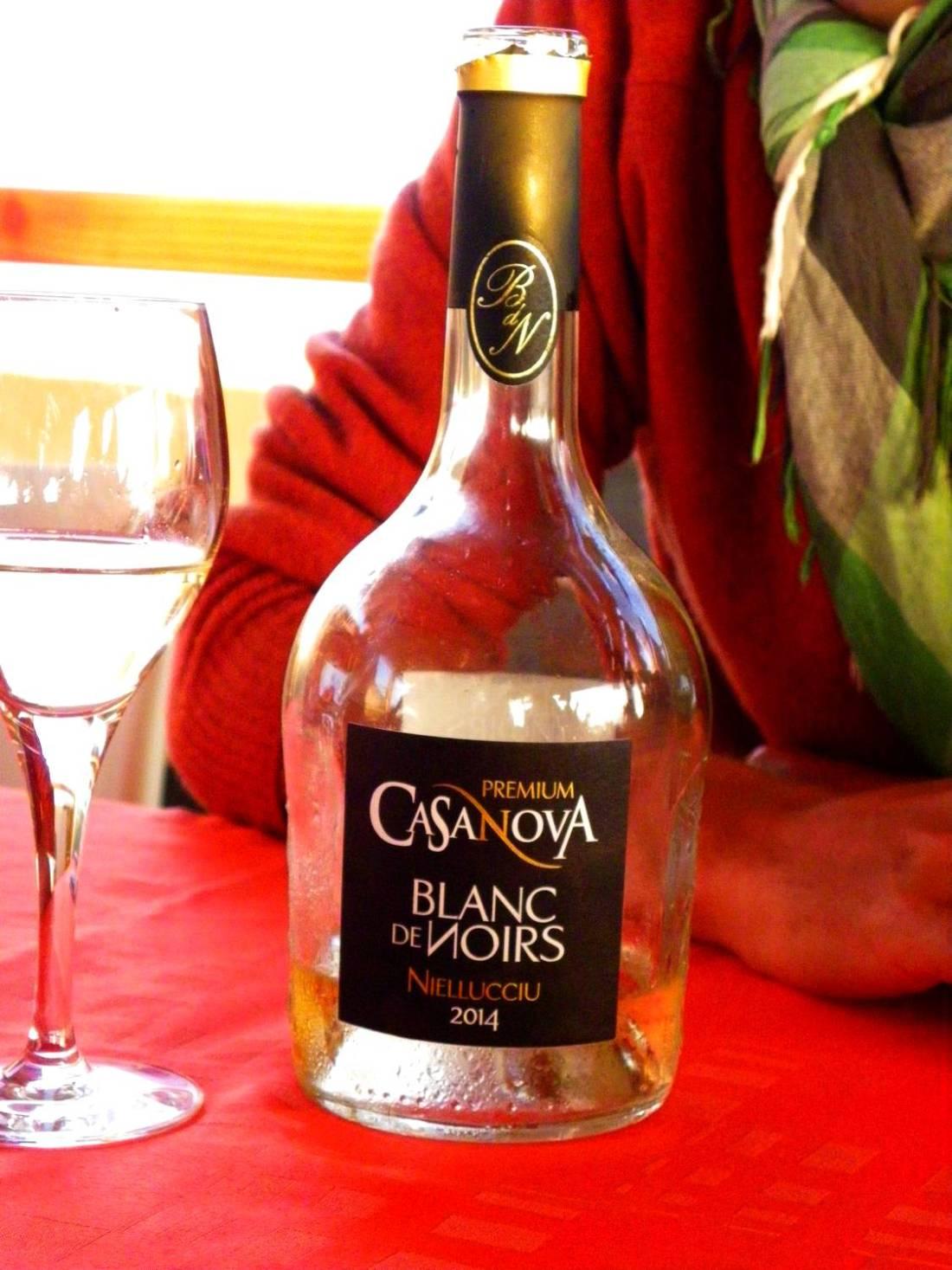 Blancs de Noirs wine bottle - Urbinu pond, Corsica