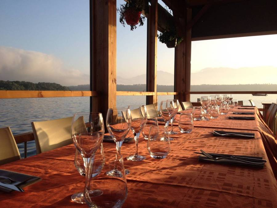"A beautiful table set at the ""L'étang d'Urbinu"" (Urbinu pond) restaurant - Corsica"