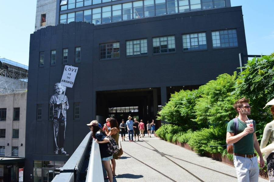 Strolling on the High Line - New York City, United States