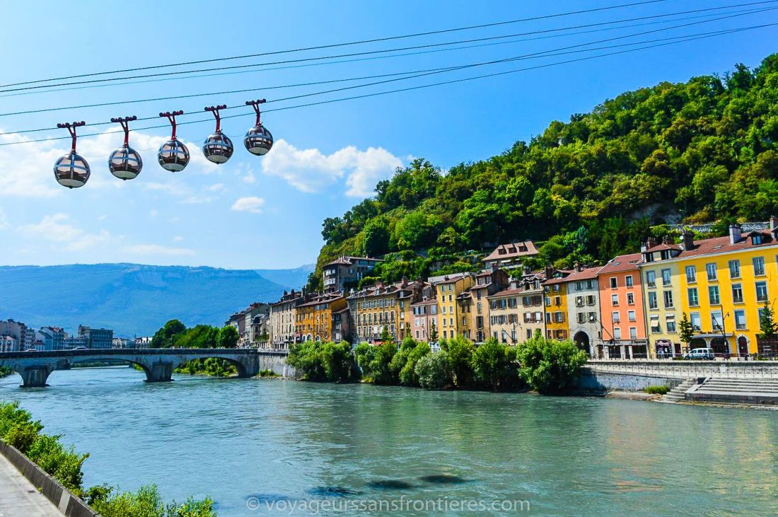Bastille's cable cars from the docks - Grenoble, France
