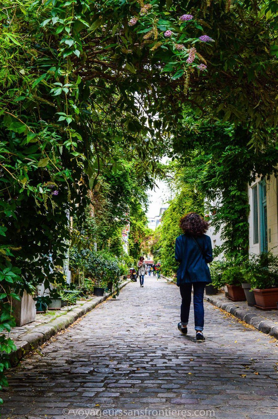 La rue des Thermopyles - Paris, France