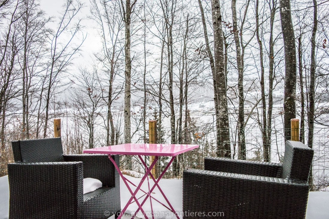 The terrace of the room at the Treehouse - Vallée de Joux, Switzerland