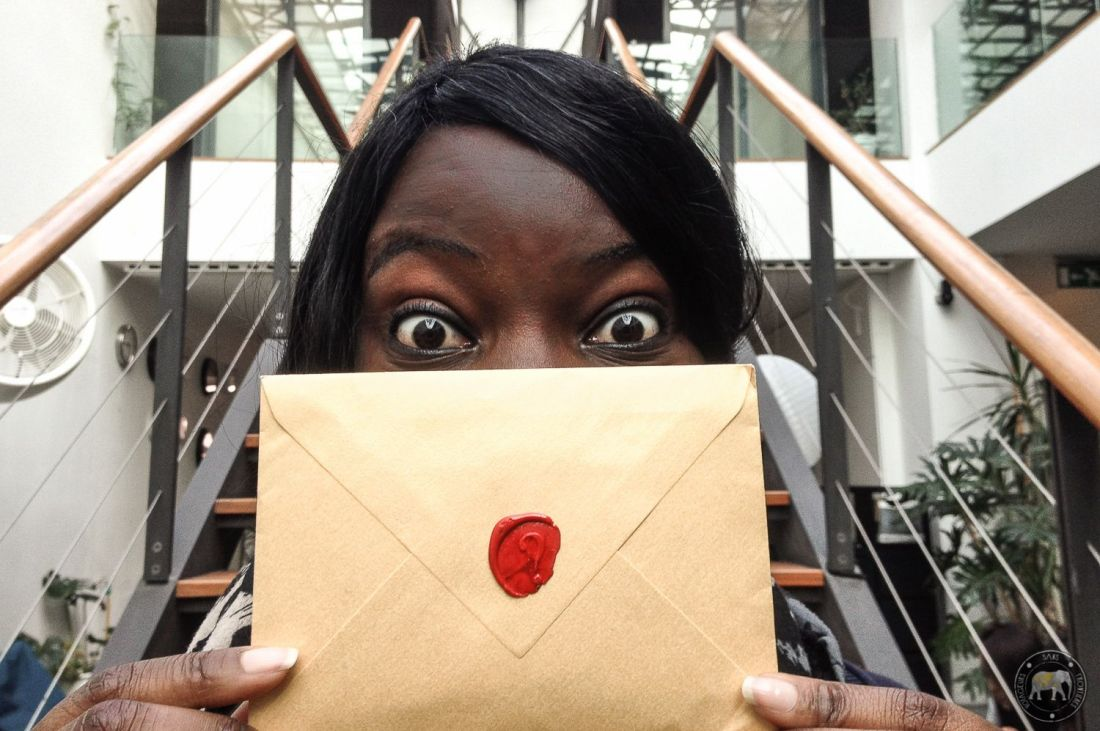 Nath with the Emoovio mystery envelope - Lisbon, Portugal