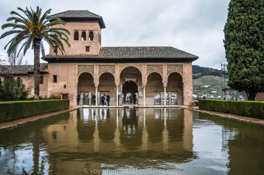 Dans le Palais Nasrides de l'Alhambra - Grenade, Espagne